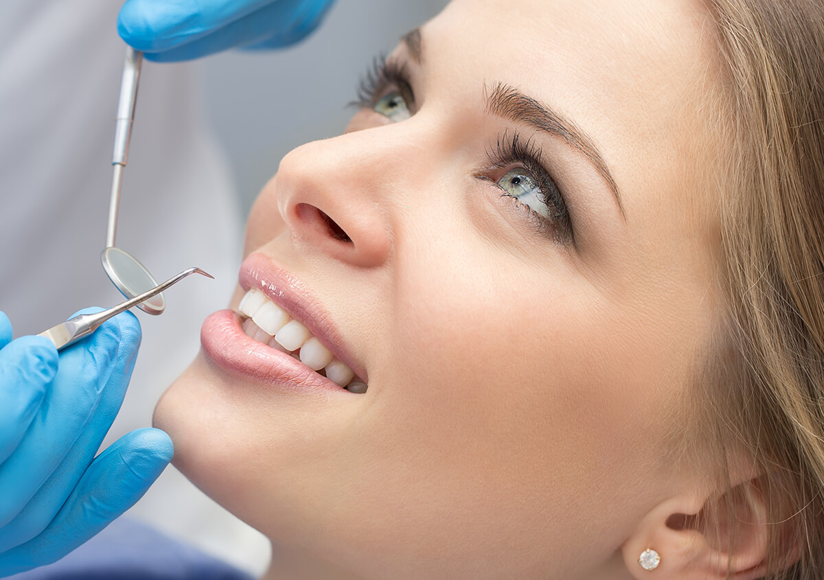 How to Maintain and Care for your Teeth Veneers